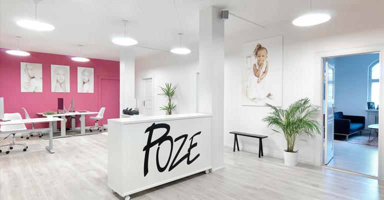Kontorindretning hos Poze Photography - Lyse Rum